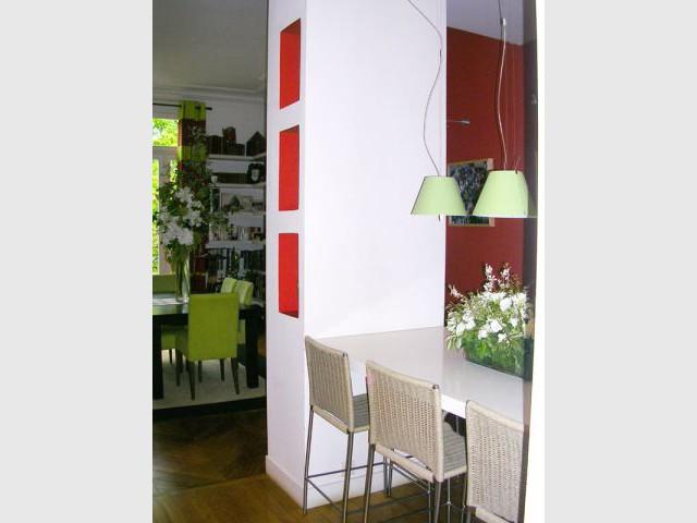 Une colonne pour séparation - Appartement Asie moderne