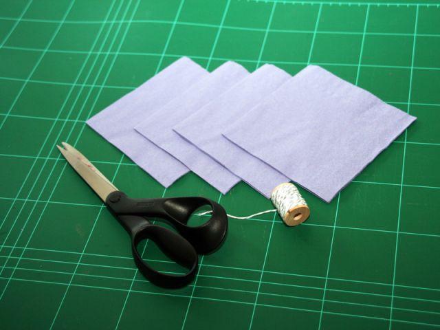 Les fleurs en papier : le matériel - Les Ateliers de Mireia