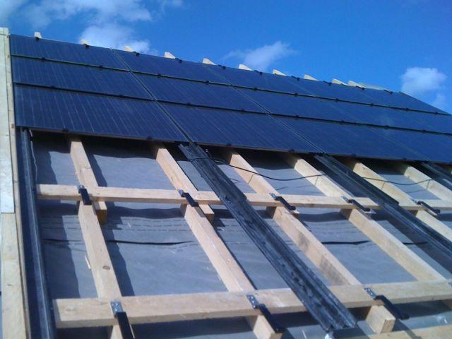 Pose des panneaux photovoltaïques - Saint-Gobain