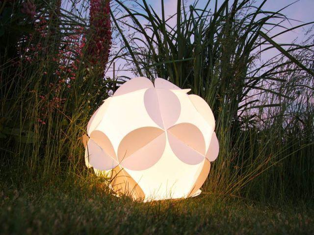 Fleur à poser - Luminaires jardin