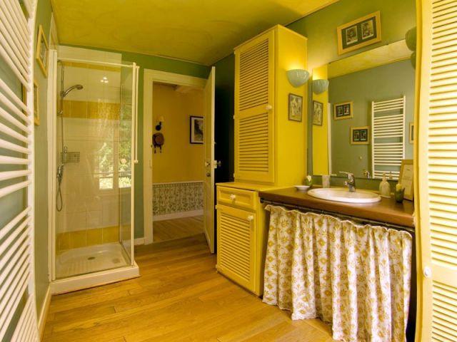 Les Jardins d'Hélène - Salle de bains suite familiale - Reportage gîte Giverny