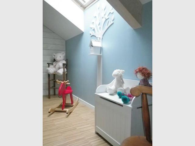 Chambre de bébé - Touche de couleur - Reportage chambre enfant