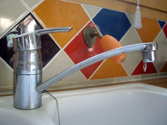 r parer un robinet qui fuit