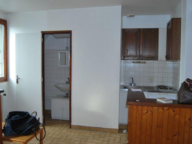 Vue cuisine - salle de bains AVANT - Mon Petit Appart