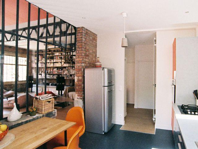 1 ancien atelier transform en maison de famille for Fenetre atelier cuisine
