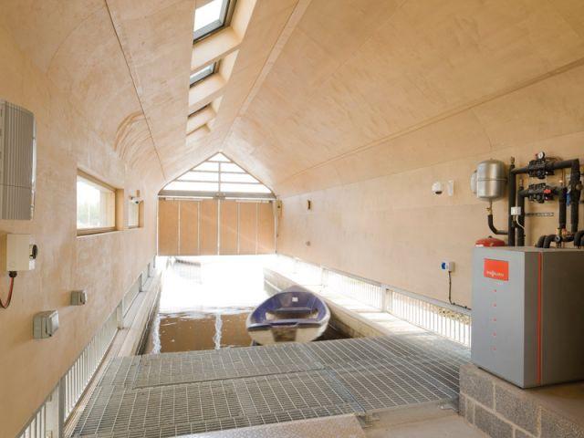 Haven - Le garage à bateau vue de l'intérieur - Maison Haven