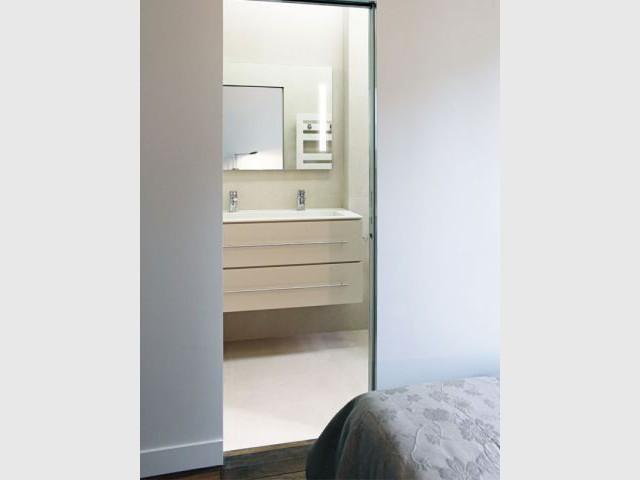 """Un appartement rénové dans un style """"classique épuré"""" - Feld Architecture"""