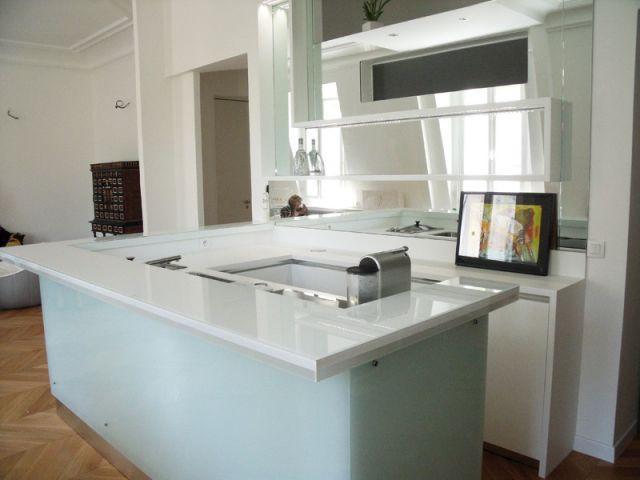 une mini cuisine effet gla on. Black Bedroom Furniture Sets. Home Design Ideas