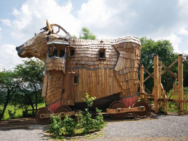Une suite dans un cheval de Troie -Belgique - hotel insolite