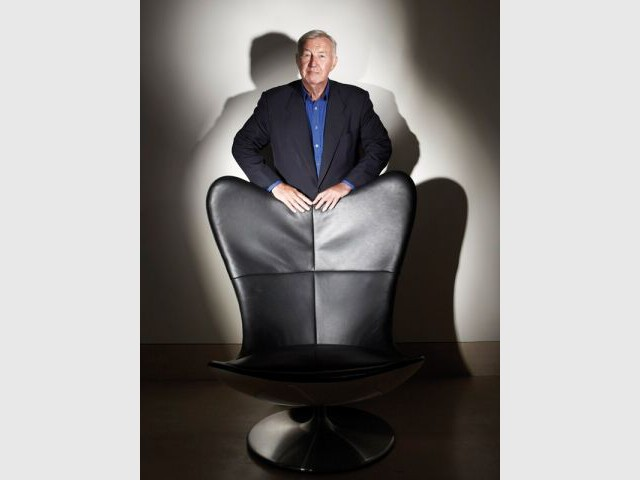 Terence Conran - Fauteuil Glove - Portrait Terence Conran