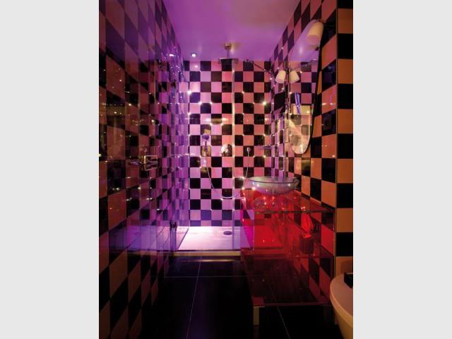 Marilyn monroe inspire la d coration d 39 un h tel parisien - Systeme audio salle de bain ...