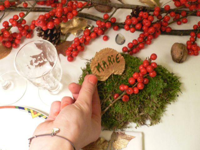 Un marque-place végétal et lumineux - Déco table Noël