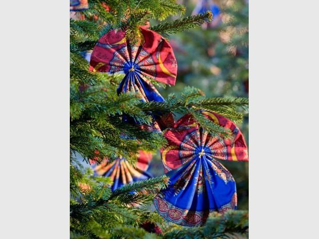 Les étoffes de la région de Mulhouse, en Alsace - Tour de France décoration Noël