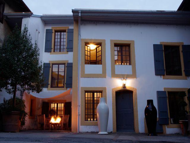 Une maison du XVIIIe siècle mise en scène avec poésie - Canete