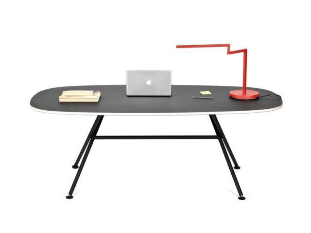 """Table """"Oval"""" - Objekten"""