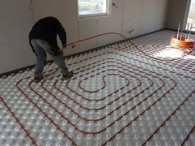 La mise en œuvre d'un plancher chauffant - Comap