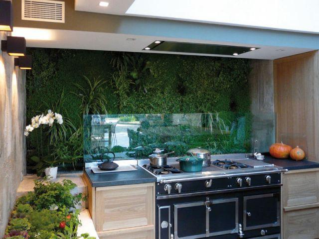 Décorer murs et toitures avec des végétaux - Architecture végétale