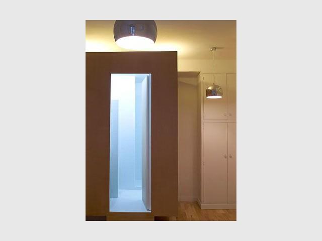 Halo lumineux - Salle de bains cube