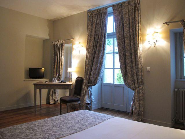Chambre donnant sur le jardin - Hôtel Le Sauvage à Besançon