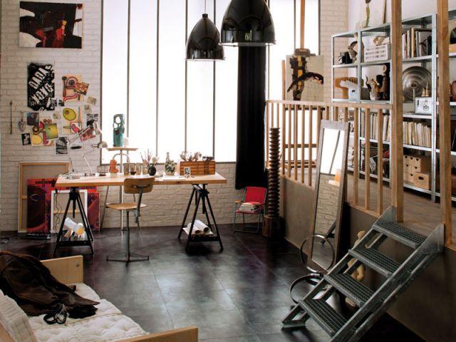 Un bureau conçu comme un atelier d'artiste - Ambiance industrielle