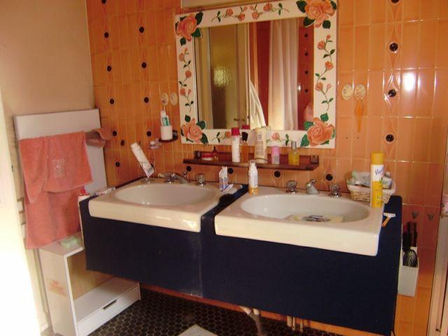 Vue salle de bains avant  - Home staging reportage