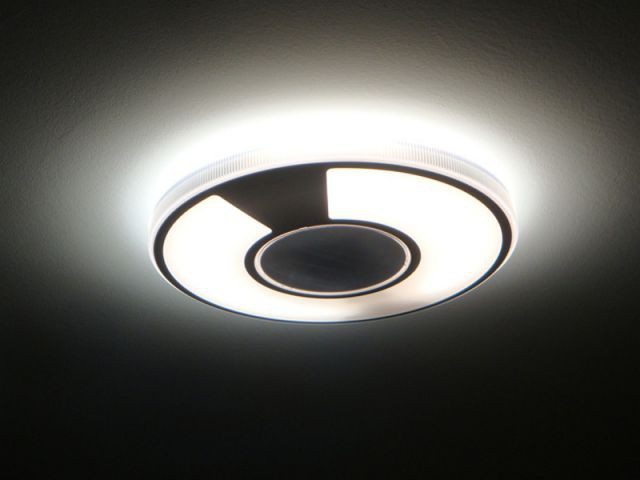 Lumières directes et indirectes - Studio masculin