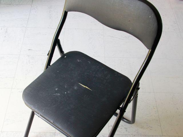 Mauvaise surprise 3 : les chaises du traiteur - Les Ateliers de Mireia