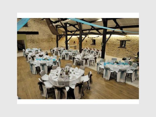 Une grange décorée en toute modernité - 10 ambiances mariage