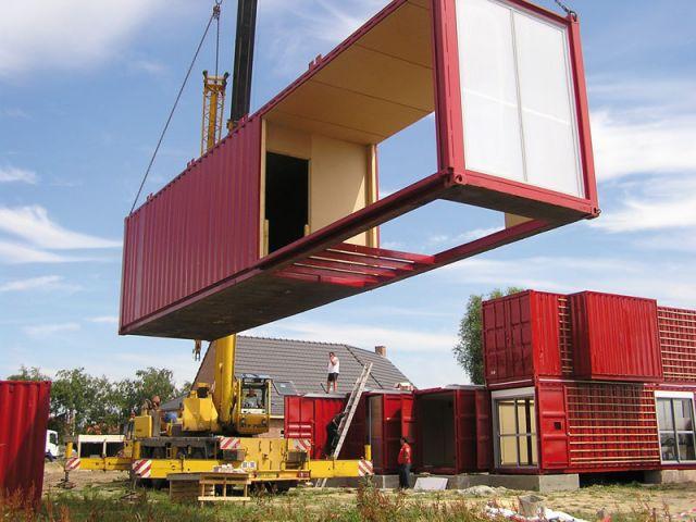 8 conteneurs pour une maison hors du commun. Black Bedroom Furniture Sets. Home Design Ideas