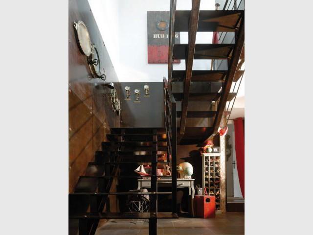Une escalier qui fait voyager... - Maison d'hôtes Val de Brangon
