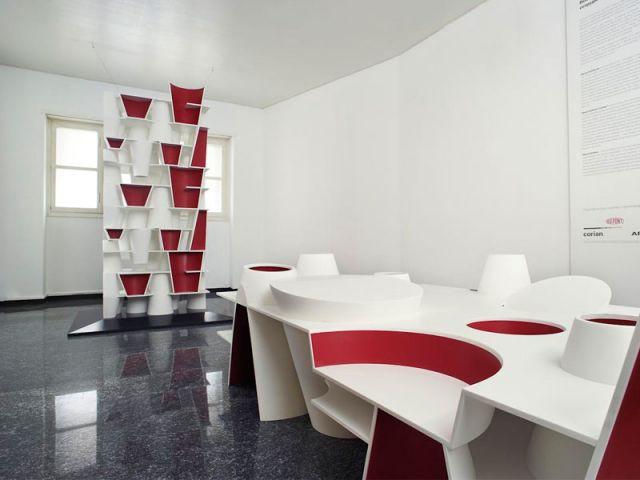 Table et rangement vertical - DuPont ™ Corian ®