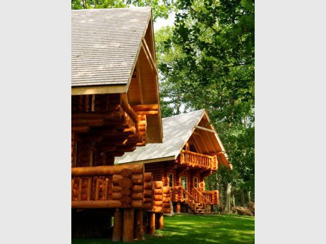 Un mini village en rondins de bois - Domaine de La Butte Ronde