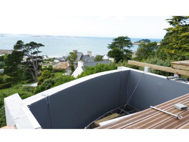 Une piscine fond mobile pour profiter de la vue for Piscine sur pilotis