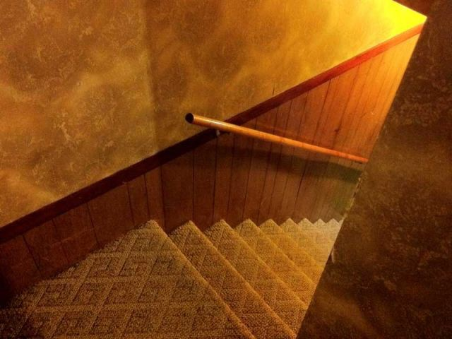 Installer une main courante dans un escalier