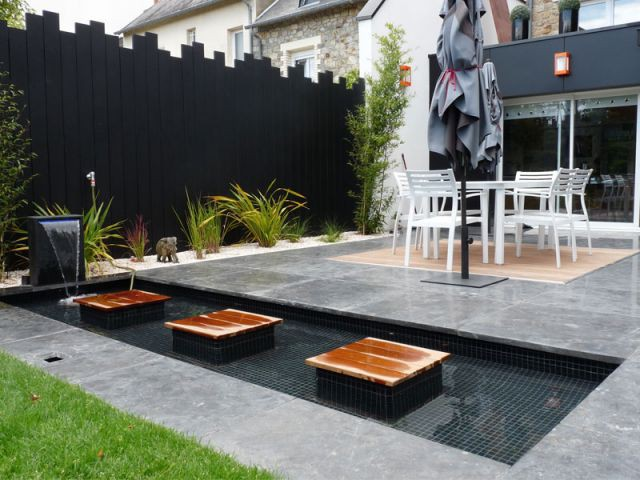 Renouveau min ral pour une terrasse rennaise - Bassin fontaine pour terrasse colombes ...