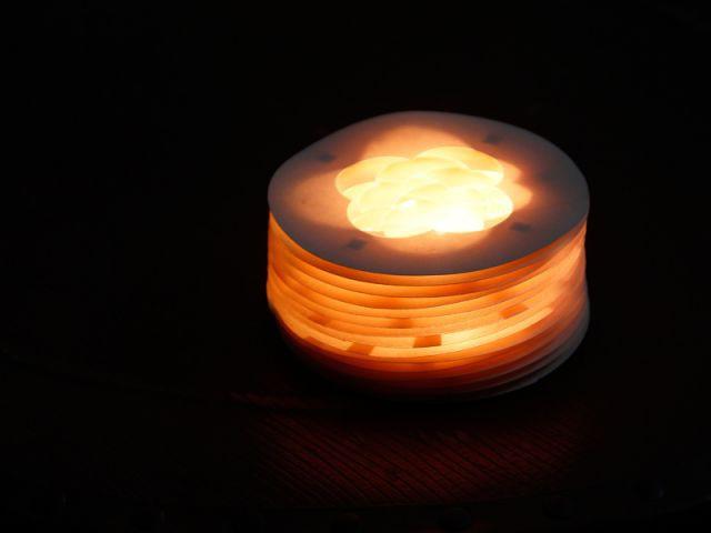 La lampe à poser : résultat final - Les Ateliers de Mireia