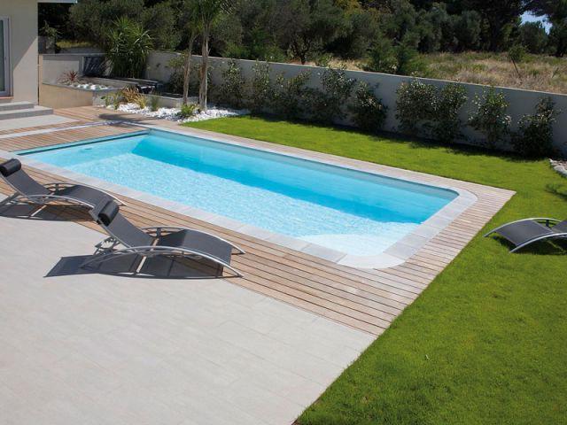 Harmonie des matériaux autour de la piscine - Reportage terrasse piscine