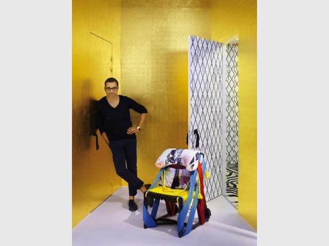 Sacha Walckhoff et les créations de Rodrigo Almeida - Showroom Christian Lacroix