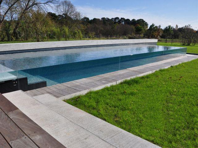 Terrasse épaisse - Piscine Carré Bleu - Concept Aquaglass