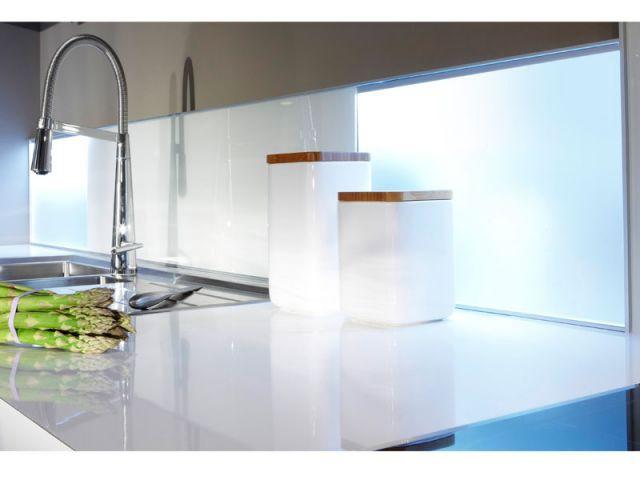 des id es pour une cr dence de cuisine originale. Black Bedroom Furniture Sets. Home Design Ideas
