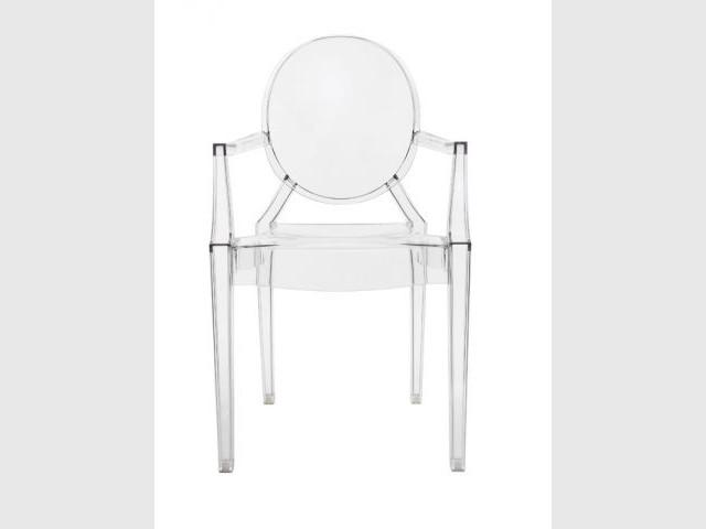 """Une chaise """"auto-projetée"""" - Kartell"""