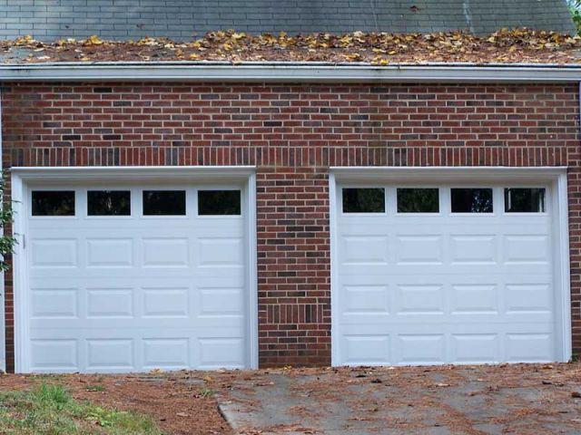 Une Porte De Garage Basculante