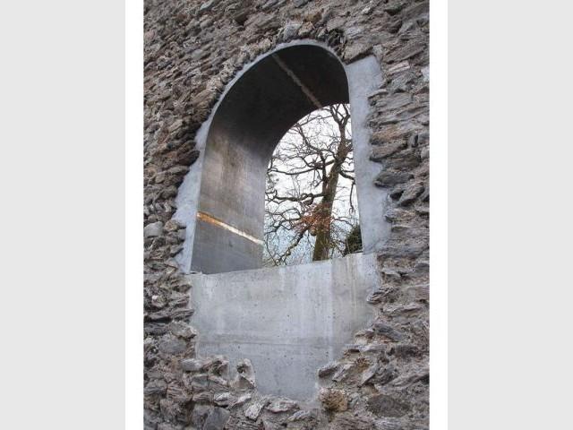 Les ruines inaccessibles du château du Roy