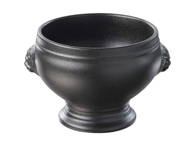 Présenter la soupe dans une soupière - Soupe de légumes