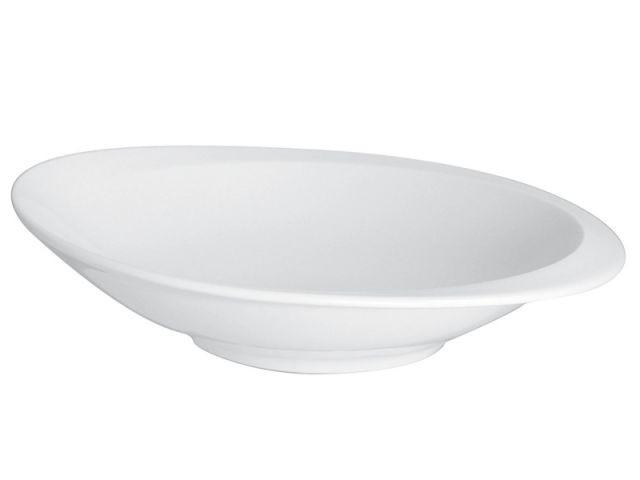 Une assiette creuse pour servir la soupe de légumes - Soupe de légumes