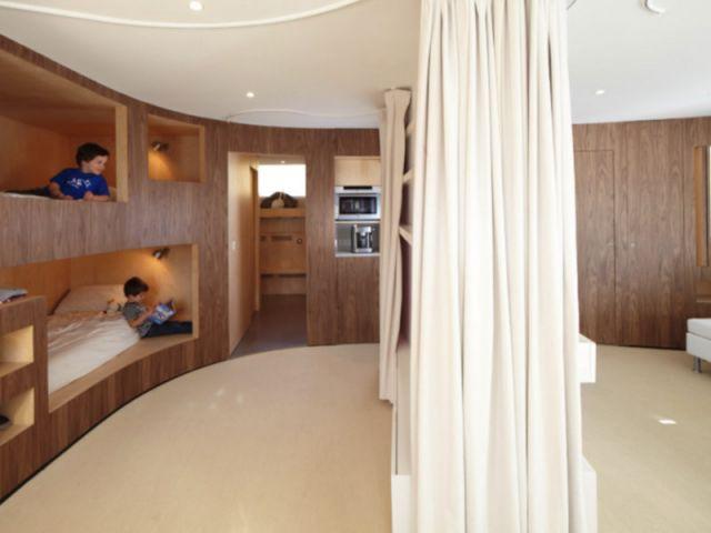 habiter dans un meuble. Black Bedroom Furniture Sets. Home Design Ideas