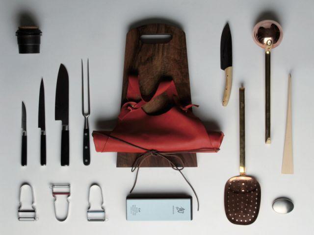 le trousseau de cuisine id al dans une malle en carton. Black Bedroom Furniture Sets. Home Design Ideas