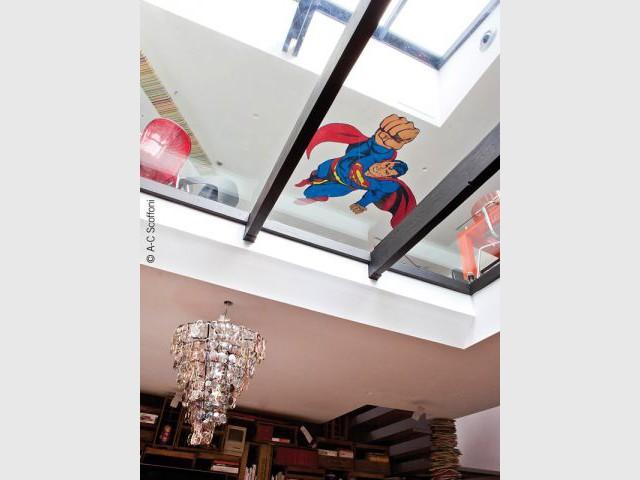 Un sol en verre entre le bureau et les pièces à vivre - Duplex Carlos Pujol