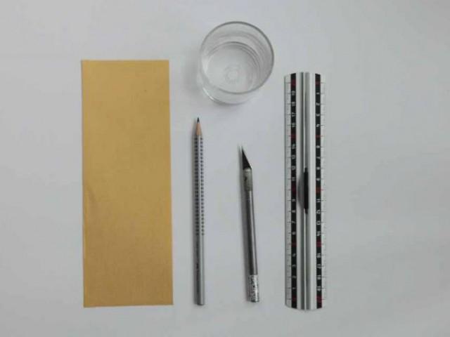 Découpage papier - CHAM / Infos, Titre & Chapô