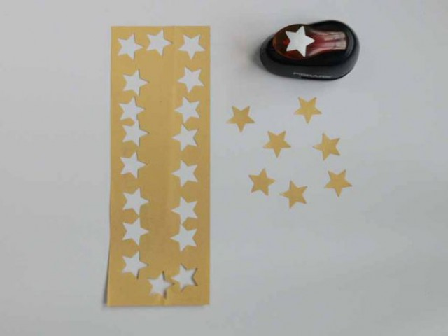 Fabrication des étoiles - CHAM / Infos, Titre & Chapô